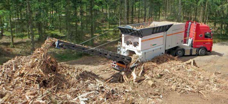 Broyeur mobile Metso MJ 4000M sur remorque Lheureux 1 - Utilisation d'un Broyeur - broyeur végétaux - broyeur de branche - broyeur de végétaux - broyeur à branche - broyeur végétaux location - broyeur agricole - broyeur à marteau - broyeur tracteur – broyeur déchets – broyeur mobile – broyeur stationnaire lors d'une location dans l'Ain (01) - Aisne (02) - Allier (03) - Alpes-de-Haute-Provence (04) - Hautes-Alpes (05) - Alpes-Maritimes (06) - Ardèche (07) - Ardennes (08) – Ariège (09) – Aube (10) – Aude (11) – Aveyron (12) – Bouches-du-Rhône (13) – Calvados (14) – Cantal (15) – Charente (16) – Charente-Maritime (17) – Cher (18) – Corrèze (19) – Corse-du-Sud (2A) – Haute-Corse (2B) – Côte d'or (21) – Côtes d'Armor (22) – Creuse (23) – Dordogne (24) – Doubs (25) – Drôme (26) – Eure (27) – Eure-et-Loir (28) – Finistère (29) – Gard (30) – Haute-Garonne (31) – Gers (32) – Gironde (33) – Hérault (34) – Ille-et-Vilaine (35) – Indre (36) – Indre-et-Loire (37) – Isère (38) – Jura (39) – Landes (40) – Loir-et-Cher (41) – Loire (42) – Haute-Loire (43) – Loire-Atlantique (44) – Loiret (45) - Lot (46) – Lot-et-Garonne (47) – Lozère (48) – Maine-et-Loire (49) – Manche (50) – Marne (51) – Haute-Marne ( 52) – Mayenne (53) – Meurthe-et-Moselle – (54) – Meuse (55) – Morbihan (56) – Moselle (57) – Nièvre (58) – Nord (59) – Oise (60) – Orne (61) – Pas-de-Calais (62) – Puy-de-Dôme (63) – Pyrénées-Atlantiques (64) – Hautes-Pyrénées (65) – Pyrénées-Orientales (66) – Bas-Rhin (67) – Haut-Rhin (68) – Rhône (69) – Haute-Saône (70) – Saône-et-Loire (70) – Sarthe (72) – Savoie (73) – Haute-Savoie (74) – Ile-de-France (75) – Seine-Maritime (76) – Seine-et-Marne (77) – Yvelines (78) – Deux-Sèvres (79) – Somme (80) – Tarn (81) – Tarn-et-Garonne (82) – Var (83) – Vaucluse (84) – Vendée (85) – Vienne (86) – Haute-Vienne (87) – Vosges -88) – Yonne (89) – Territoire de Belfort (90) – Essonne (91) – Hauts-de-Seine (92) – Seine-st-Denis (93) – Val-de-Marne (94) – Val-d'Oise (95)
