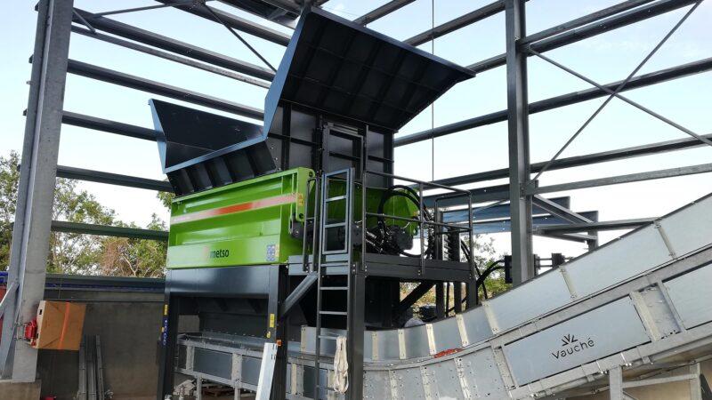 Broyeur stationnaire Metso MJ 4000S Lheureux - Vente de Broyeur - broyeur végétaux - broyeur de branche - broyeur de végétaux - broyeur à branche - broyeur végétaux location - broyeur agricole - broyeur à marteau - broyeur tracteur – broyeur déchets – broyeur mobile – broyeur stationnaire dans l'Ain (01) - Aisne (02) - Allier (03) - Alpes-de-Haute-Provence (04) - Hautes-Alpes (05) - Alpes-Maritimes (06) - Ardèche (07) - Ardennes (08) – Ariège (09) – Aube (10) – Aude (11) – Aveyron (12) – Bouches-du-Rhône (13) – Calvados (14) – Cantal (15) – Charente (16) – Charente-Maritime (17) – Cher (18) – Corrèze (19) – Corse-du-Sud (2A) – Haute-Corse (2B) – Côte d'or (21) – Côtes d'Armor (22) – Creuse (23) – Dordogne (24) – Doubs (25) – Drôme (26) – Eure (27) – Eure-et-Loir (28) – Finistère (29) – Gard (30) – Haute-Garonne (31) – Gers (32) – Gironde (33) – Hérault (34) – Ille-et-Vilaine (35) – Indre (36) – Indre-et-Loire (37) – Isère (38) – Jura (39) – Landes (40) – Loir-et-Cher (41) – Loire (42) – Haute-Loire (43) – Loire-Atlantique (44) – Loiret (45) - Lot (46) – Lot-et-Garonne (47) – Lozère (48) – Maine-et-Loire (49) – Manche (50) – Marne (51) – Haute-Marne ( 52) – Mayenne (53) – Meurthe-et-Moselle – (54) – Meuse (55) – Morbihan (56) – Moselle (57) – Nièvre (58) – Nord (59) – Oise (60) – Orne (61) – Pas-de-Calais (62) – Puy-de-Dôme (63) – Pyrénées-Atlantiques (64) – Hautes-Pyrénées (65) – Pyrénées-Orientales (66) – Bas-Rhin (67) – Haut-Rhin (68) – Rhône (69) – Haute-Saône (70) – Saône-et-Loire (70) – Sarthe (72) – Savoie (73) – Haute-Savoie (74) – Ile-de-France (75) – Seine-Maritime (76) – Seine-et-Marne (77) – Yvelines (78) – Deux-Sèvres (79) – Somme (80) – Tarn (81) – Tarn-et-Garonne (82) – Var (83) – Vaucluse (84) – Vendée (85) – Vienne (86) – Haute-Vienne (87) – Vosges -88) – Yonne (89) – Territoire de Belfort (90) – Essonne (91) – Hauts-de-Seine (92) – Seine-st-Denis (93) – Val-de-Marne (94) – Val-d'Oise (95)
