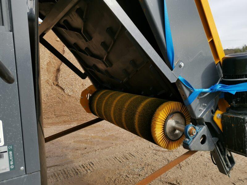 Gros plan sur le rouleau brosse du bac de flottaison TFS1400 Screenpod